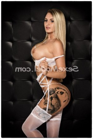 Melisende escorte girl sexemodel