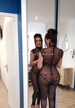 Renée-marie massage escorte