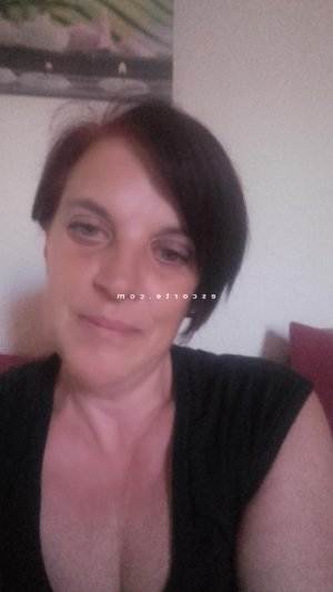 Henrianne escort girl 6annonce massage tantrique à Bourbon-Lancy